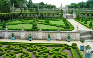 chateau-de-brecy-gardens
