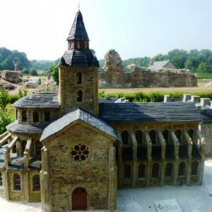 Savigny-le-Vieux Abbey