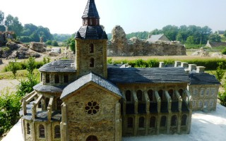 savigny-le-vieux-abbey